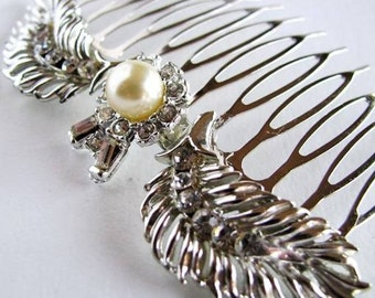 Antique Pearl  - Vintage Victorian Style Rhinestone and Faux Pearl Bridal Hair Comb in silver