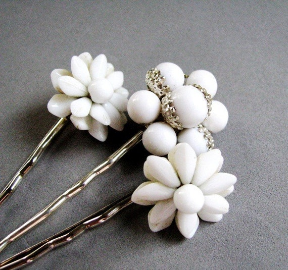 Nostalgic Wedding No.30 - Vintage White Floral Hair Pin Set