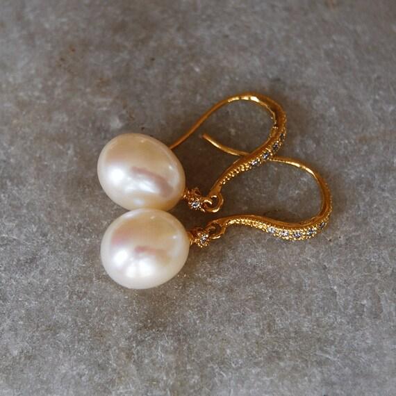 White Pearl Earrings Pearl Drops Earrings Gold Earrings