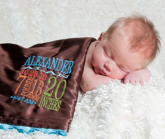 PETUNIAS' Little Fluffy Blanket with personalized BIRTH STATS