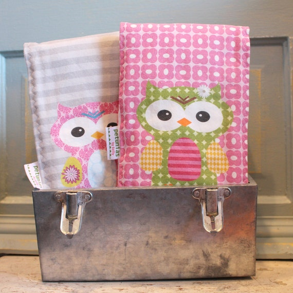 Owl BURP CLOTH set of 2 by PETUNIAS - exclusive design monogram personalized colorful cute spit rag baby gear newborn gift shower present