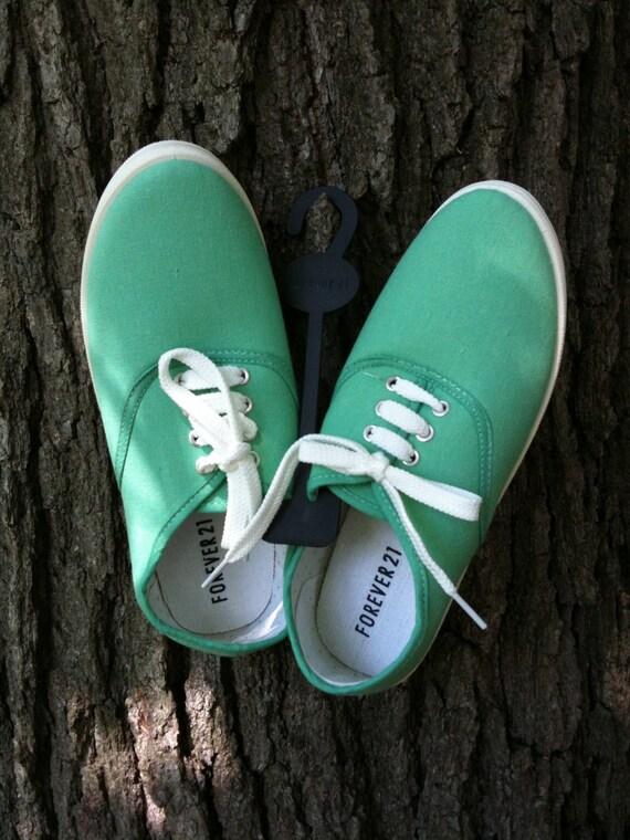 Mint Canvas Shoes NWT Sz 7.5/8