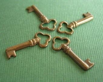 vintaj brass teensie key, brass key 18 x 8mm, four pieces, small brass key, key charm
