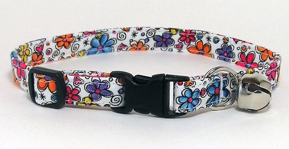 LAST ONE Cat Collar - Groovy Retro Flowers - available in regular and kitten size only