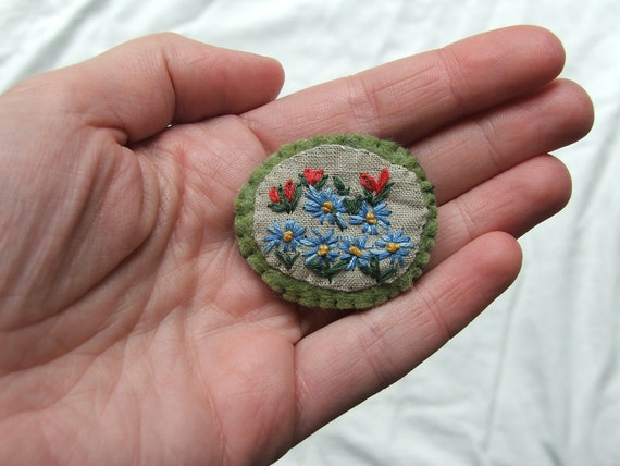 embroidered linen pin- wildflowers 2