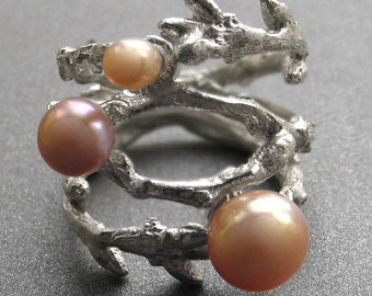Branch ring (double) with pink pearls