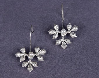 eucalyptus pod snowflake earrings with pearls