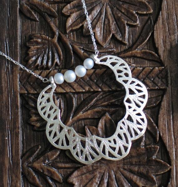 Seafan Hoop Pendant with pearls