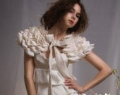 La Sylphide - little cream capelet with bow MADE TO ORDER