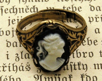 Brass Lady Cameo Ring