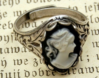 Black and White Lady Cameo Ring in Silver