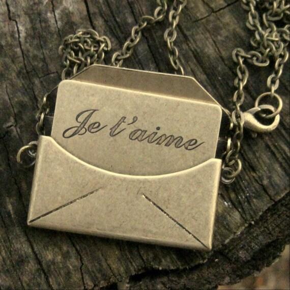 Love Letter Necklace- Je T'aime