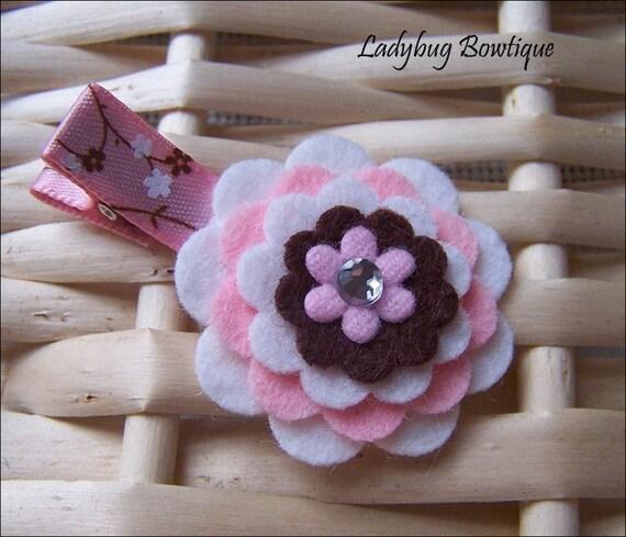 SALE - Sweet Wool Felt Flower Clip - Cherry Blossom
