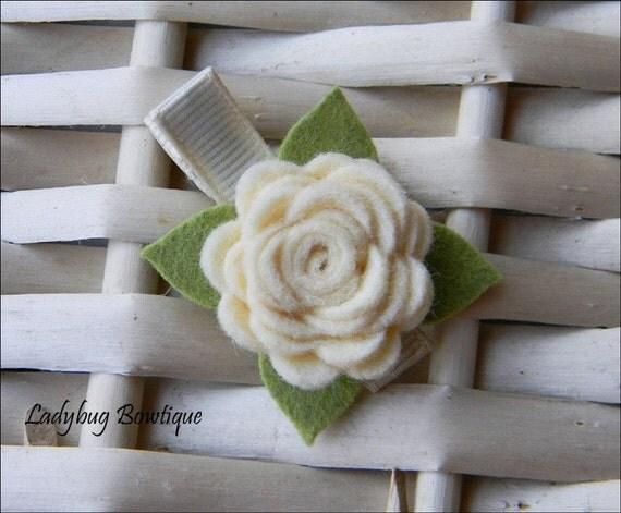 Wool Felt Flower Rosette Hair Clip - Creme