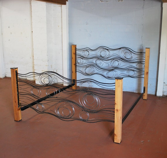 Wood Grain Bed of Steel and Cedar King Size