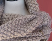 The Cottage Capelet in Linen