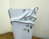 White Tree Modern vase branches and leaves wrap around