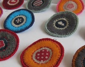 Textile jewelry - choose the brooch you like