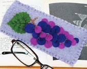 Grapes Glasses Cozy