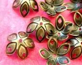 Sale 24pcs 18mm Antique Bronze Filigree Caps E054Y-AB