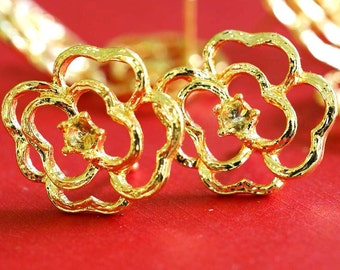 Clearance 5 pairs Golden finish Flower Ear Posts A11678