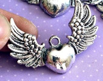 Sale 10pcs Big Antique Silver Wing with Heart Pendants EA11896Y