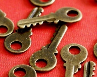 Sale 24pcs Antique Bronze Small Key Pendants EA11603Y-AB