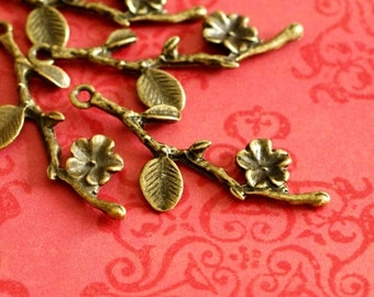 Sale 40pcs Antique Bronze Branch Twig with Flower Pendants EA11049-AB