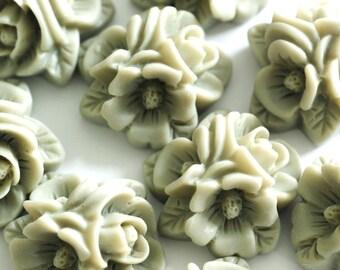 Sale 8pcs Lightgrey Flower Cabochons RESI-A908