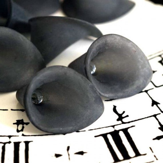 Sale 10pcs Frosted Black Calla Lily Bead Cap Flowers PAF011Y
