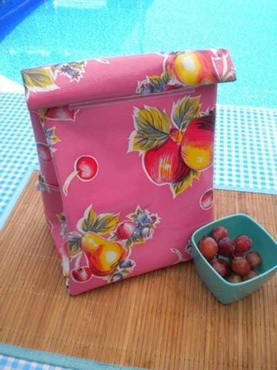 Basic Oilcloth Lunchbag in Fruity Pink
