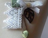 Safety Pin Crochet and charms brooch (04)