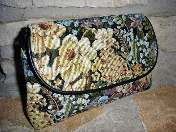 5 DOLLAR SALE -  Vintage Floral  Tapestry Convertible Shoulder Bag to Clutch