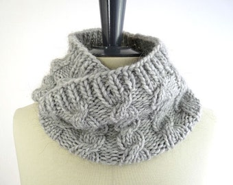 Wool Alpaca Snood / Neck Warmer. Small Infinity / Loop Scarf. Light Gray. Men / Women. Winter. Handmade in France