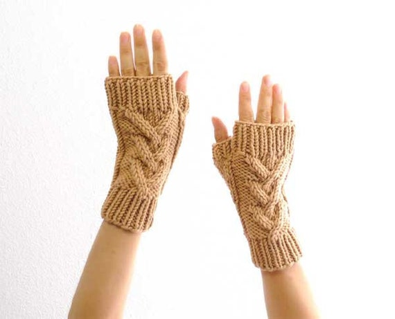 Cashmere Merino Fingerless Mitts. Cable Knit. Soft. Honey Beige. Spring / Winter / Snow / Ski Fashion. Handmade in France.