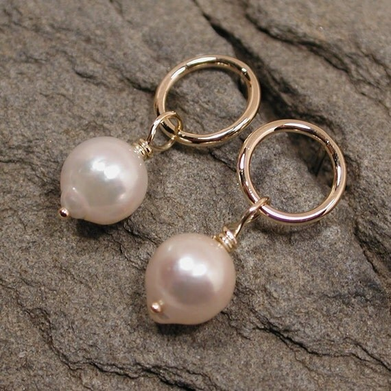 Gold Pearl Earrings Circle Studs 14k Yellow Gold Classic Earrings Modern Jewelry by SARANTOS