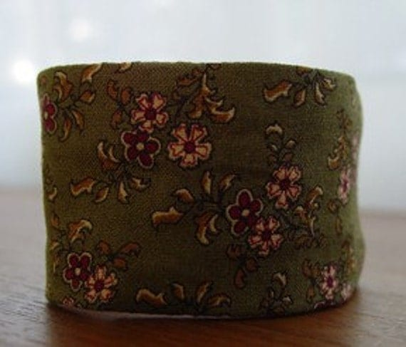 The Urban Cuff - Country Flowers Brown Cuff Bracelet with Hidden Pocket