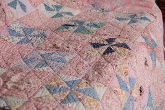 Very worn Vintage Quilt - possible cutter - Pink and blue - Very old