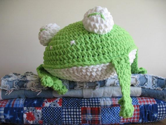 Super Chunky Frog Pillow PDF crochet pattern