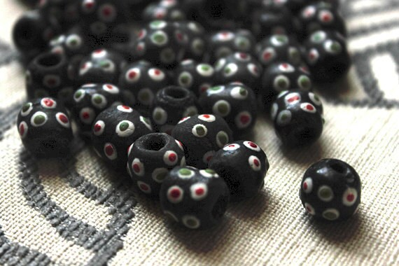 African Trade beads - 25 beads - 16mm each - black, red, green, white, polka dots, powdered glass