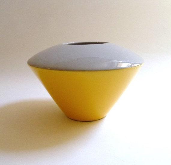 1980s Baldelli Ceramic Vase - Yellow and Grey