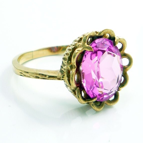 10K Yellow Gold Vintage Retro Pink Crystal Ring