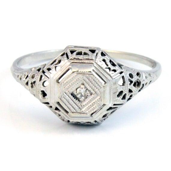 14K Antique Art Deco Diamond Filigree Ring