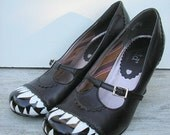 Halloween Shoes Vampire T-Strap Hand-Painted  Vegan Peep Toe Pump Size 9