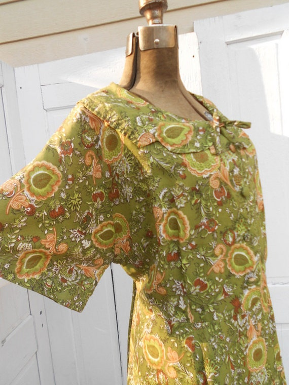 Last Chance REDUCED XXL 1950s Day Dress Green Floral Print XL