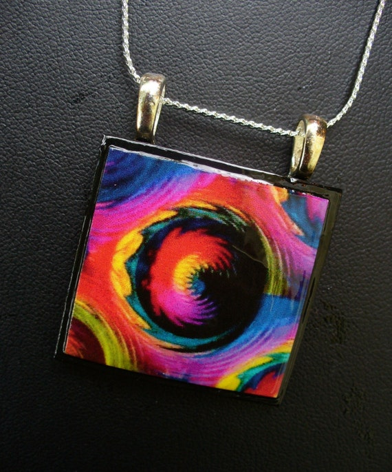 WEARABLE ART PENDANT A night at the opera