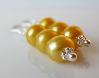 Bright Sunny Day pearl earrings