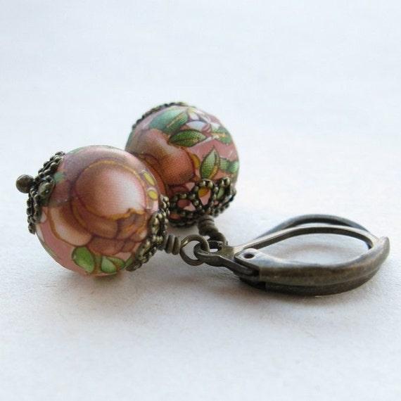Tea stained roses earrings