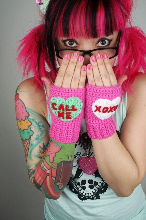 Conversation Heart Fingerless Mitts - pink