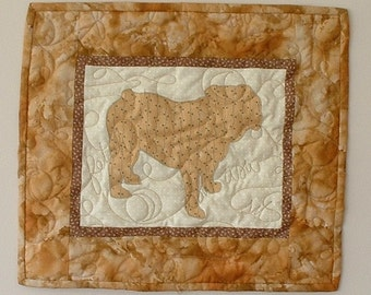 SALE---Bulldog - Mini Quilted Dog Wall Hanging 16.5 x 14.5